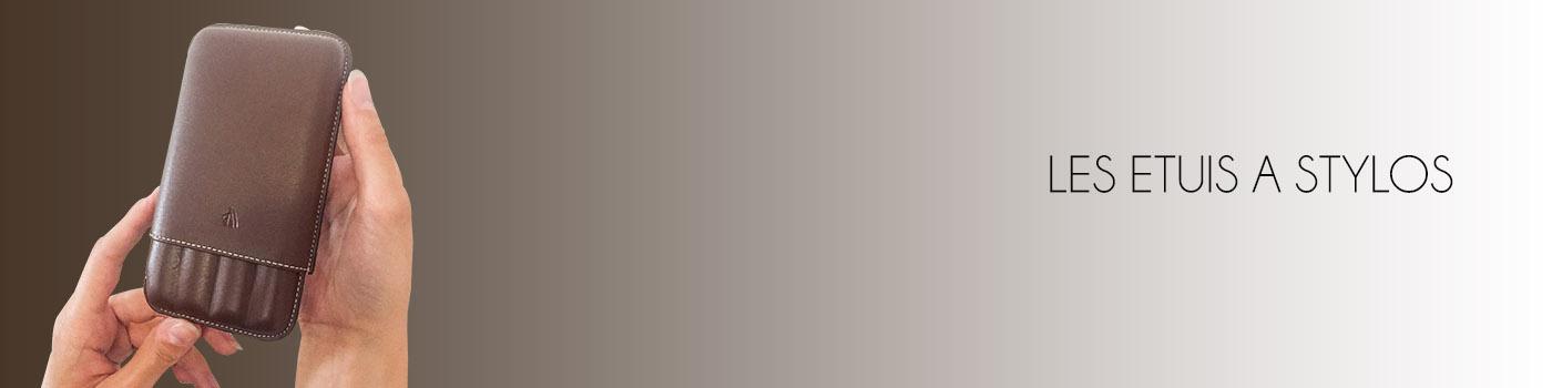 visuel-etuis--stylos-marron-texte-48-1400-x-350